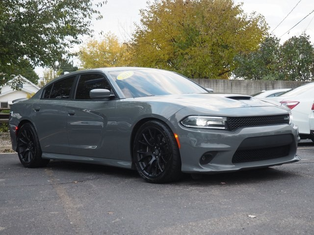 Pre Owned 2017 Dodge Charger R T 392 4d Sedan In 18 1008c